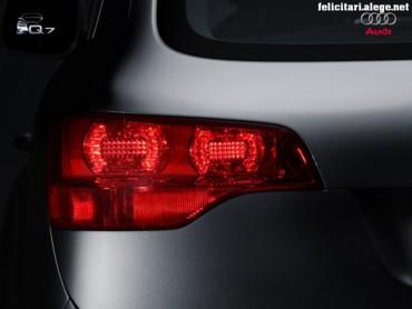 Audi Q7 left stop