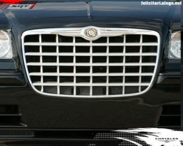 Chrysler SRT grill