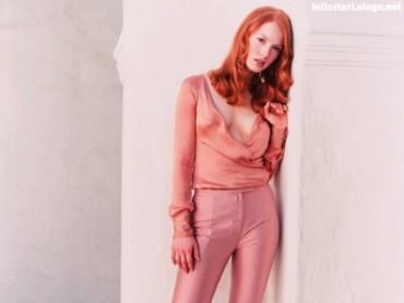 Alicia Witt in pink