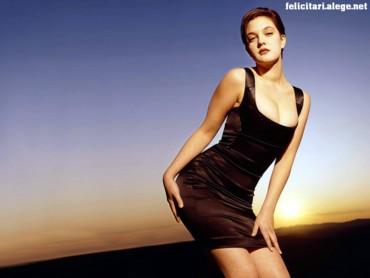 Drew Barrymore side