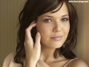 Mandy Moore smile