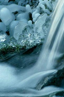 Cascada Iarna