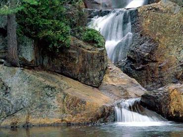 Cascada Si Stancile